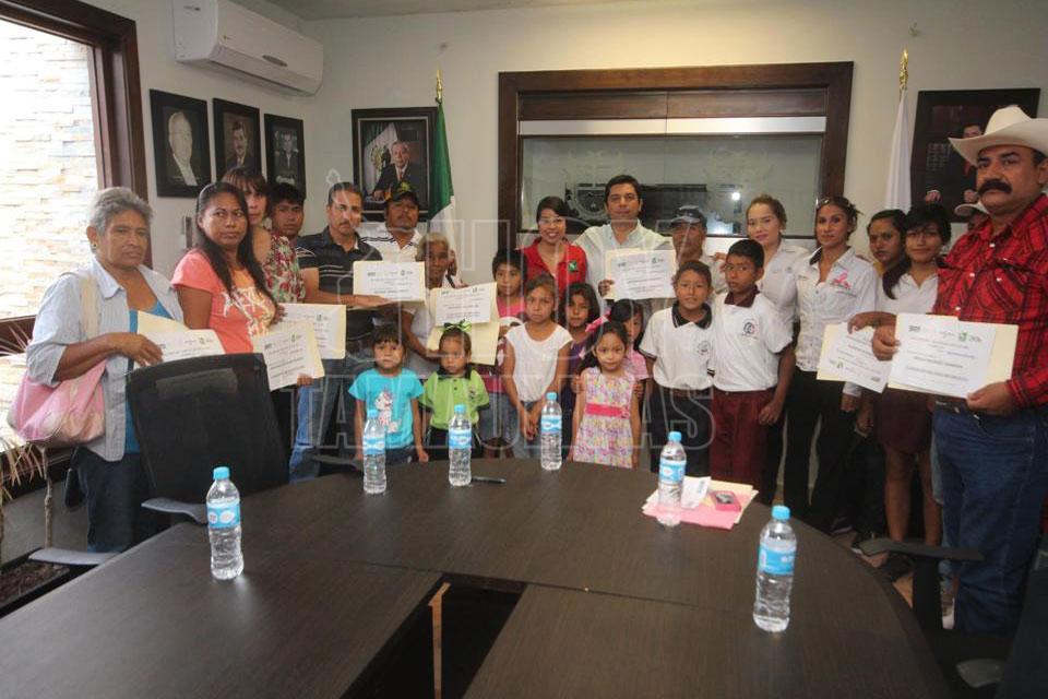 Hoy Tamaulipas Familias Fuertes Respaldo De Ambitos De