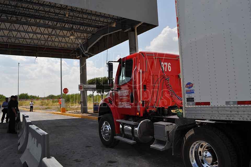 Hoy Tamaulipas - Beneficia cruce de vacios por puente Anzalduas