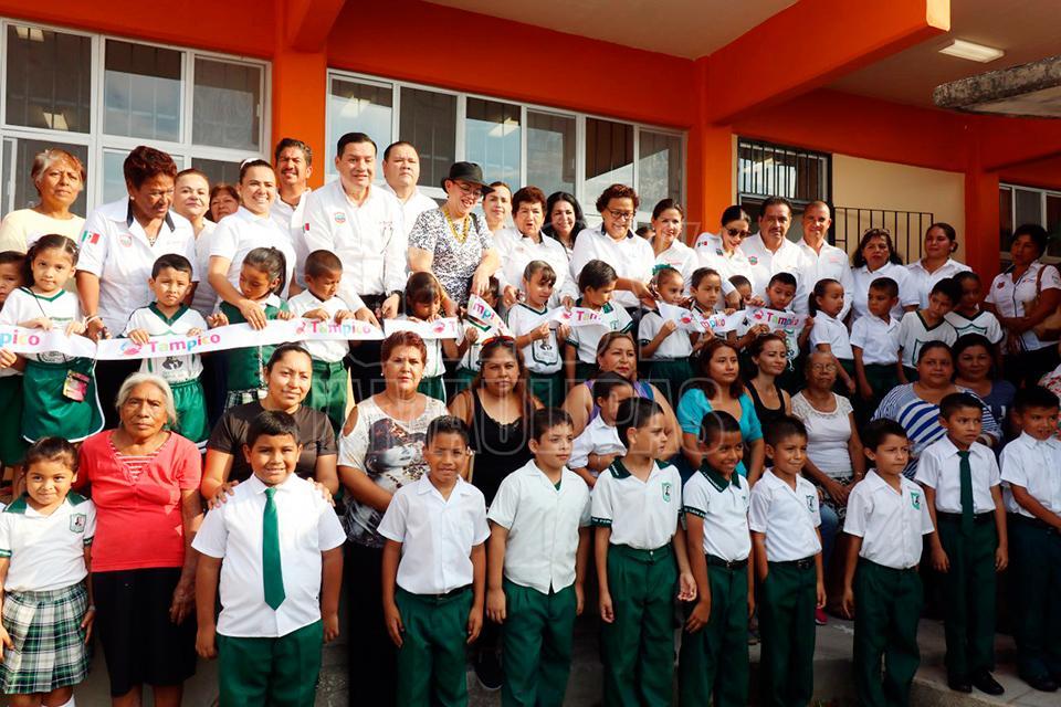 Hoy tamaulipas entrega magdalena peraza obra de comedor for Comedor 505 san pedro