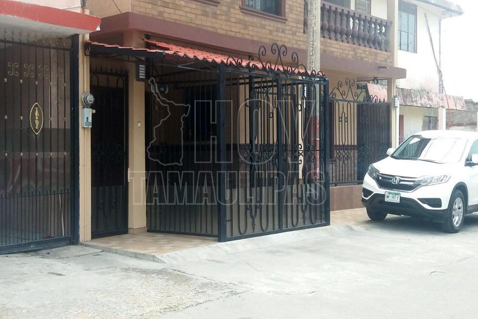 Herrería Y Portones Casas Tampico Madero: Invaden Banquetas Para Ampliar Cocheras