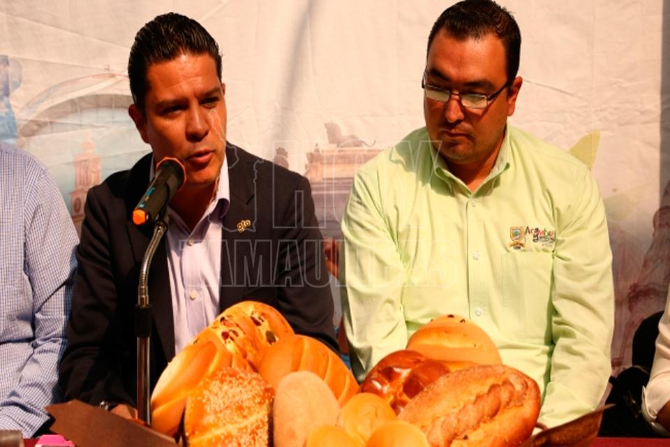 Hoy Tamaulipas - Con Lluvia de Pan cierra octava feria en ... - Hoy Tamaulipas