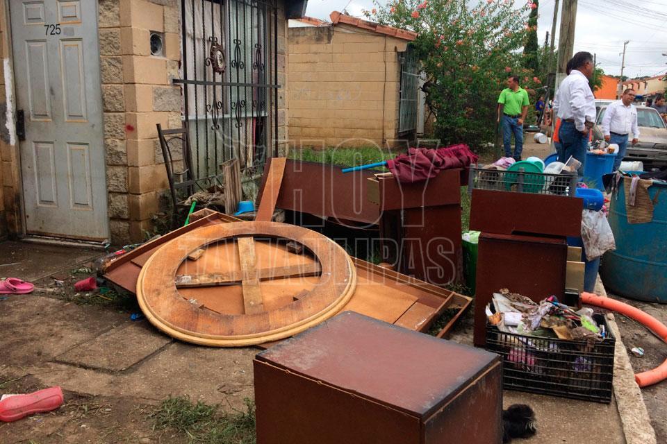 Hoy tamaulipas levantan tres toneladas de desechos tras for Altamira muebles