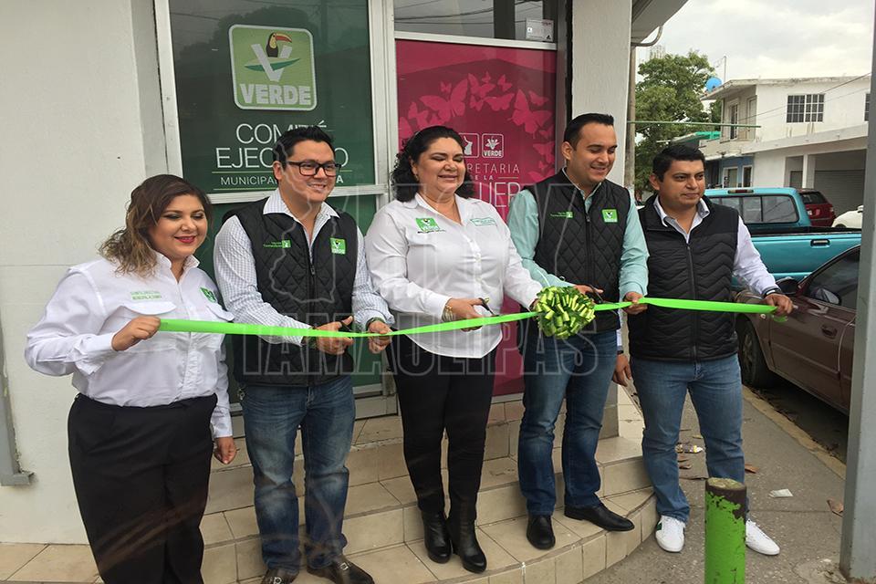 Hoy tamaulipas inauguran oficinas del comite municipal for Oficina municipal del taxi