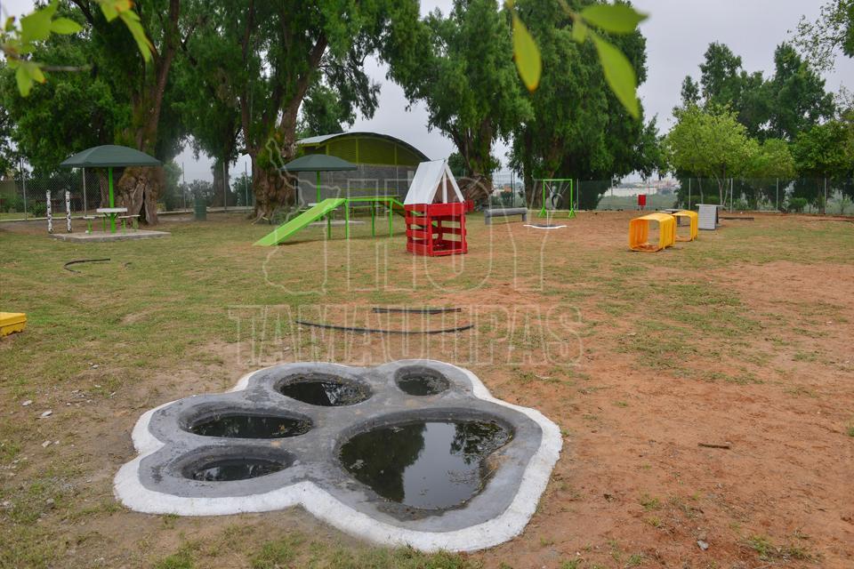 Hoy tamaulipas habilitan espacio canino dentro del for Vivero del parque