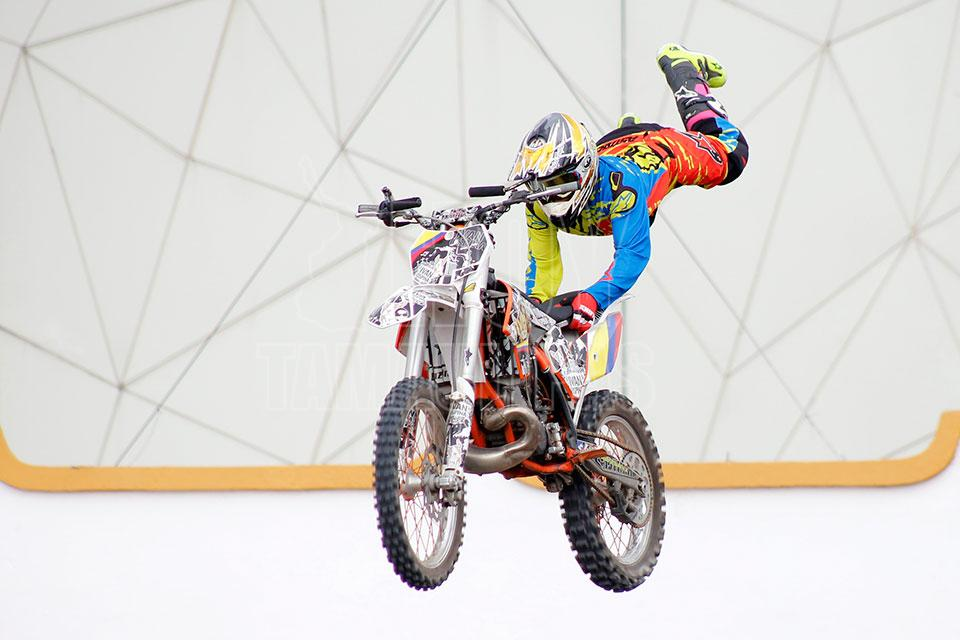 Freestyle Motocross de Monster