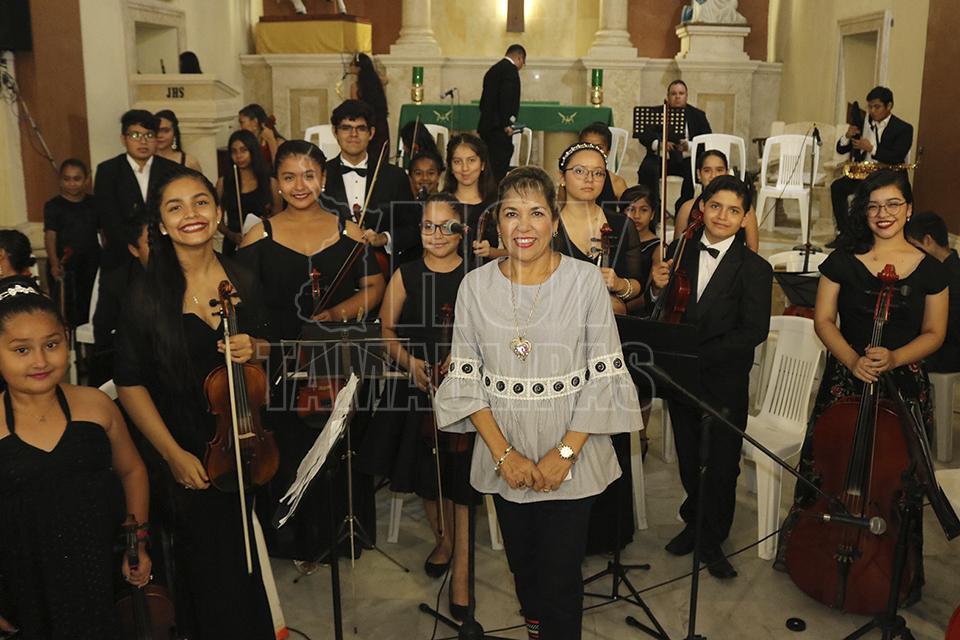 Hoy tamaulipas asiste beatriz gomez a concierto musical for Concierto hoy en santiago