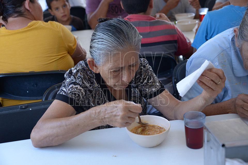 Hoy Tamaulipas - Supervisa Sebien trabajo en comedores comunitarios ...