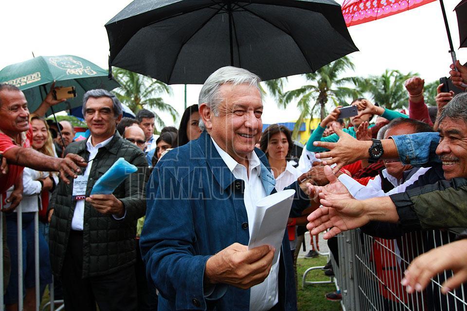 44715972 El gobernador de Campeche, Alejandro Moreno Cárdenas, dio la bienvenida al  presidente de México, Andrés Manuel López Obrador, y afirmó que el programa  ...