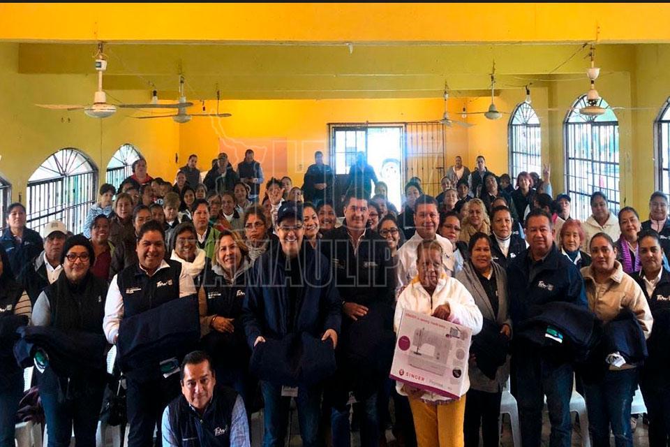 Entregan apoyos a familias vulnerables de Altamira - Hoy Tamaulipas