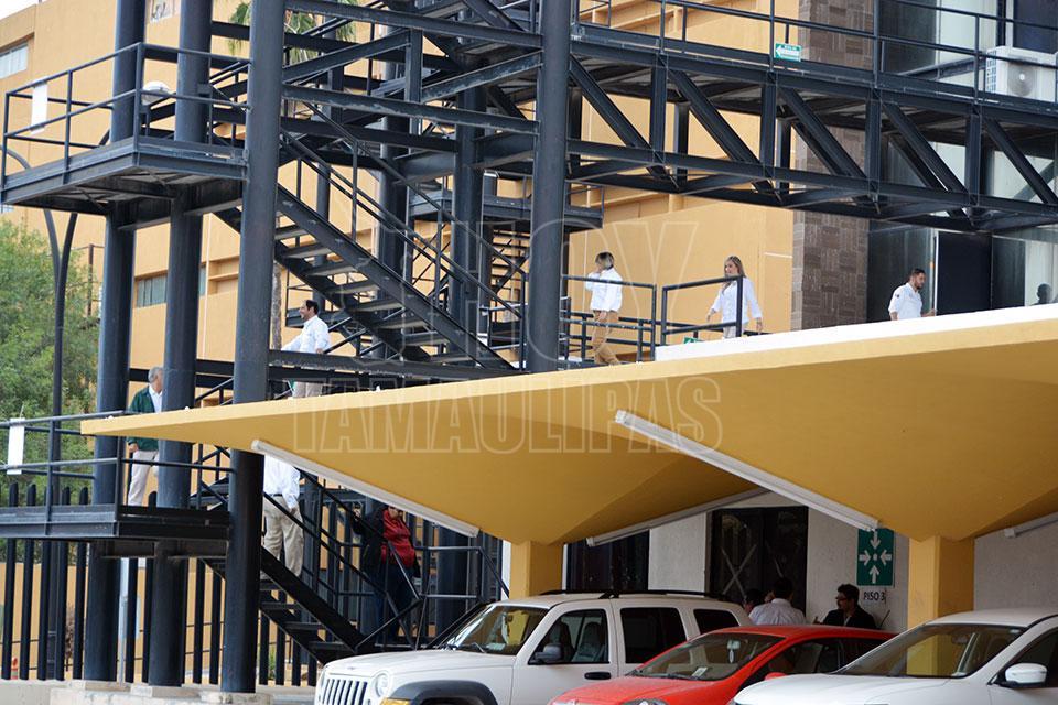 Hoy Tamaulipas - PEMEX realiza simulacro en edificio de ...