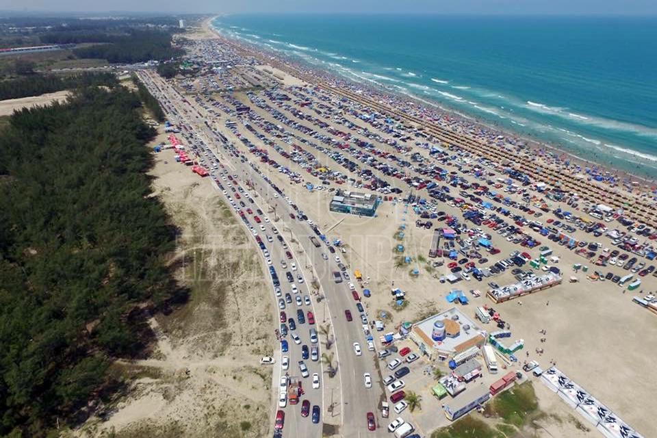 Hoy Tamaulipas - Recibe Playa Miramar a mas de 354 mil turistas